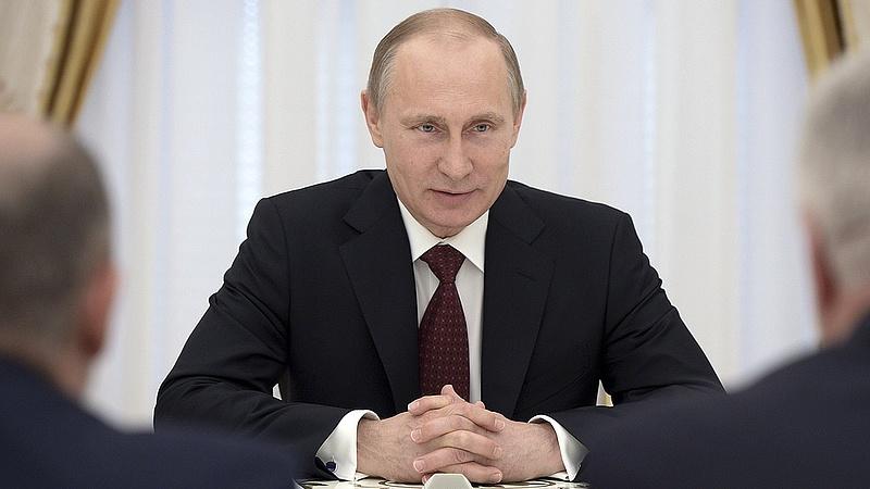 Putyin új fegyverkezési programba kezd