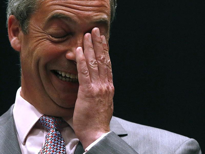 Nigel Farage felugrott Donald Trumphoz