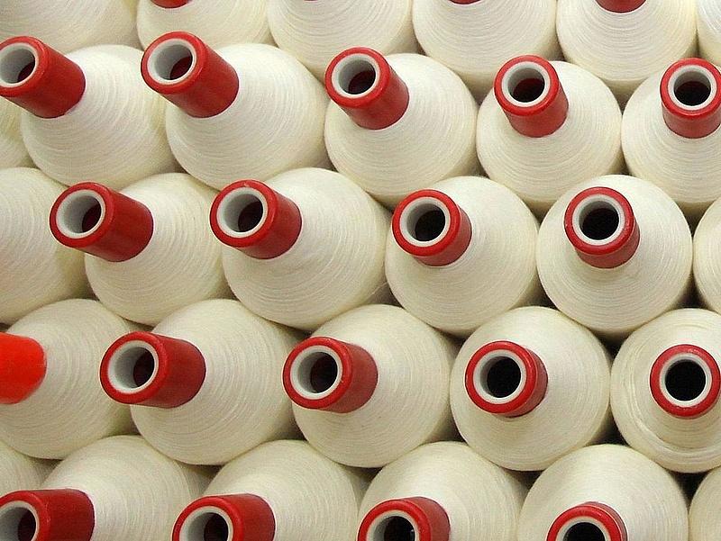 Lebukott a magyar ruhahamisító gyár - íme, a részletek!