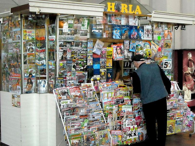 Az újságoknak is betesz a vasárnapi zárva tartás
