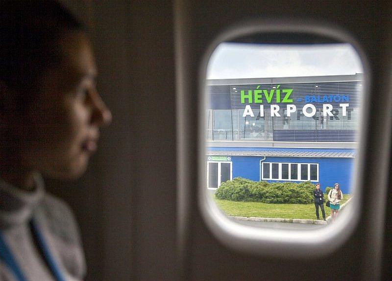 Új járatokkal bővít a sármelléki repülőtér