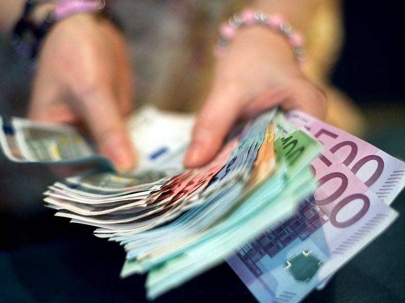 Meddig gyengül a forint? Meglepő jóslat érkezett