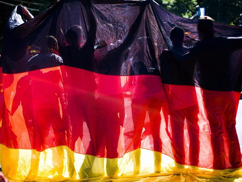 """Másfél millió külföldi \""""hawaiiozik\"""" Németországban"""
