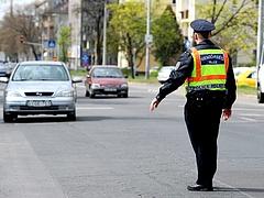Autósok, figyelem: civil autókból ellenőriz a rendőrség Budapesten!