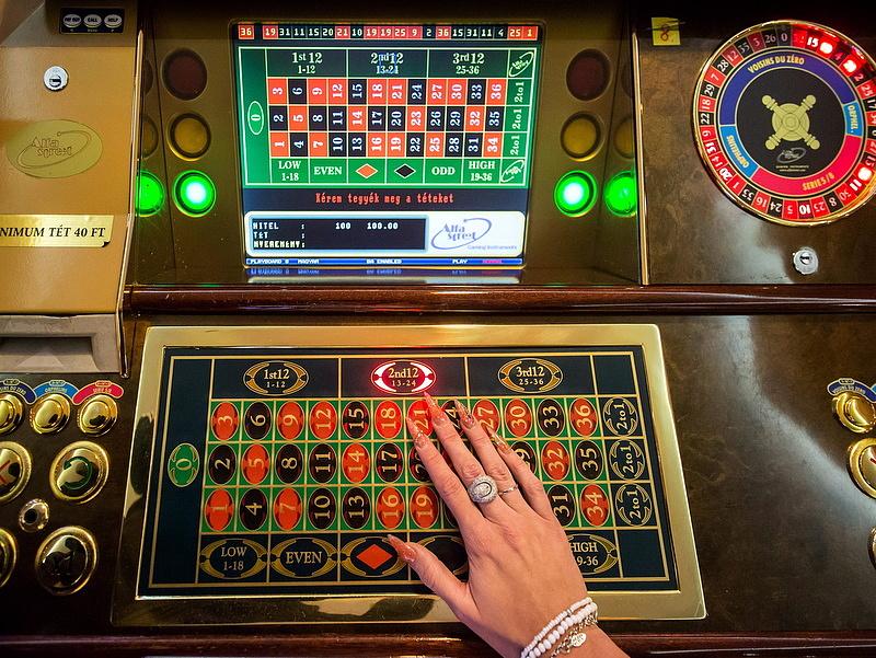 Orbán hivatalába került a szerencsejáték felügyelet