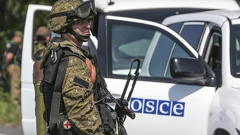 Ukrajna hárít: nem akarnak külföldi megfigyelőket