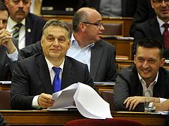 Mire készül Orbán Viktor?