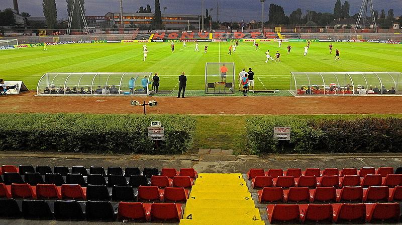 Napelemes világítást kap a Bozsik Stadion