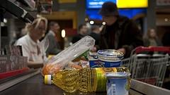 Élelmiszerdrágulás: eszköztelennek tartja magát a kormány