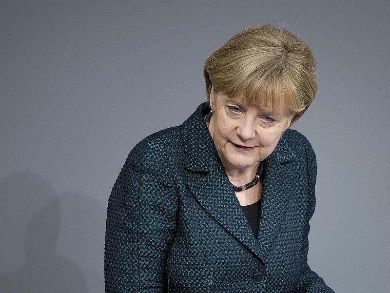 Merkel reformokat sürget