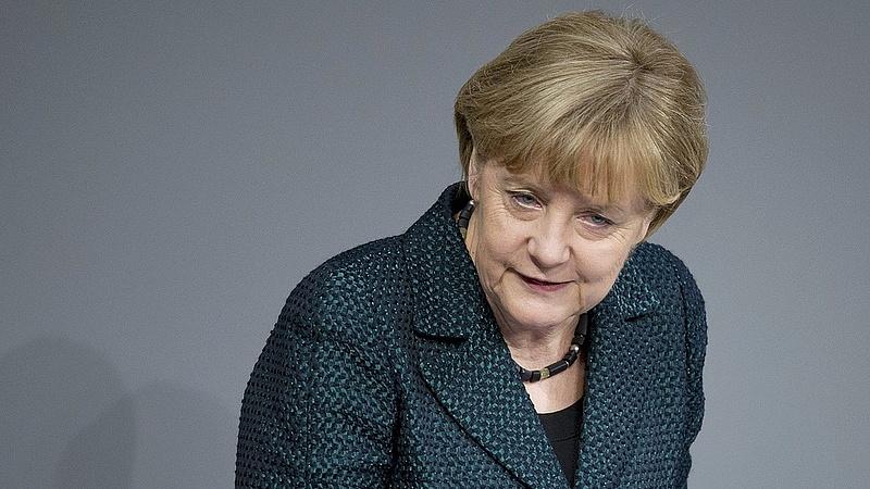 Hamarosan alaposan megszorongathatják Merkelt
