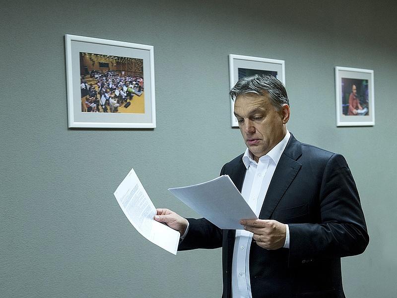 Rendkívüli értekezletet tart Orbán