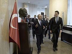 Gigantikus energiatervekről tárgyalnak Orbánék