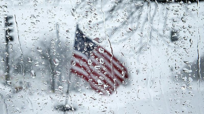 Eséssel nyitott New York