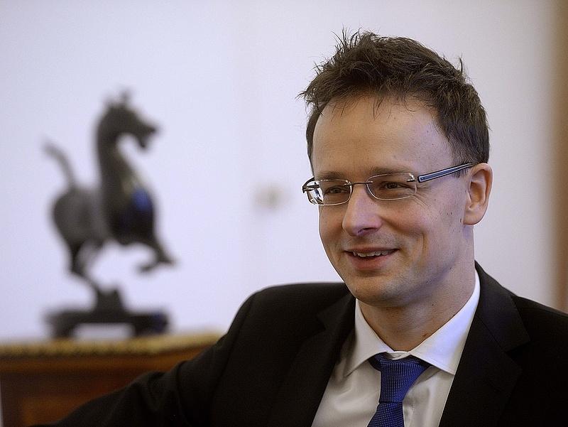 Budapestre látogat a kínai külügyminiszter