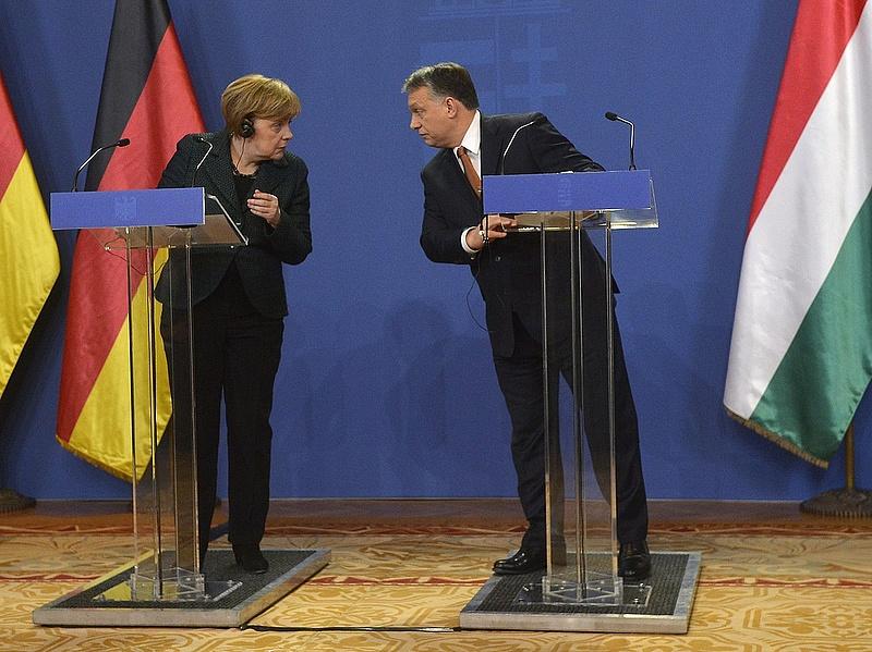 Orbán beszólt Merkelnek
