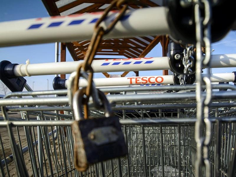 Eldőlt: vasárnap nem lesz Tesco-házhozszállítás sem