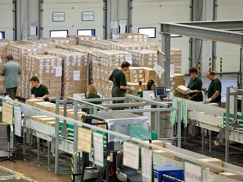 Zűrzavar a postánál: otthagyták az irodát az igazgatósági dolgozók (frissítve)