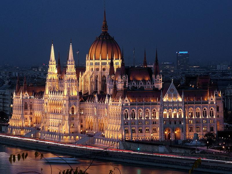 Jobbikos honatyával bővül a parlament