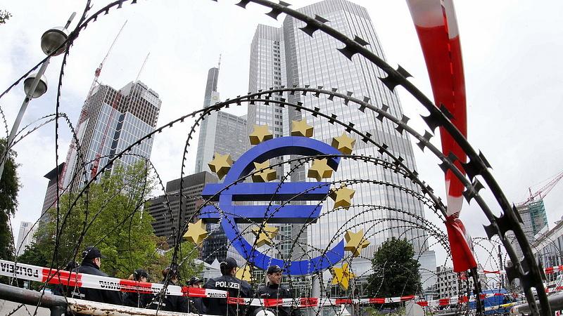 Újra ajtót mutatnak Magyarországnak is - viszlát Európa