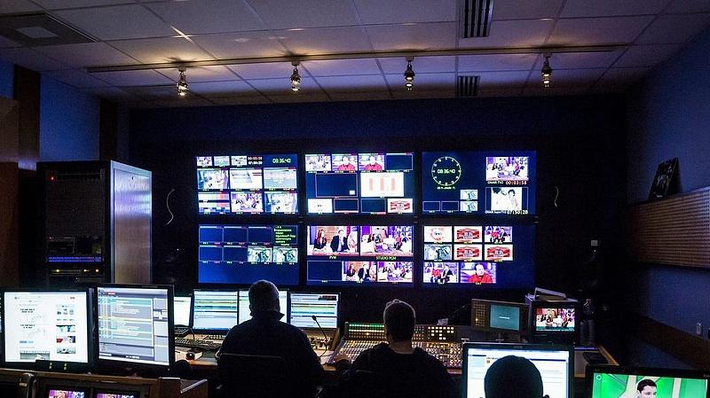 Burkolt reklámok miatt büntetés a TV2-nek