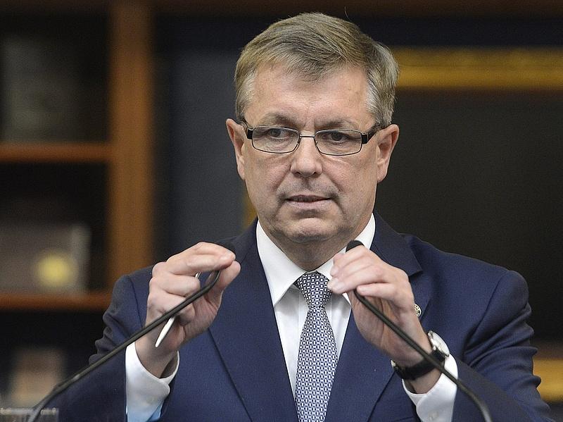 Az MNB sem hisz Vargáék szuperbevételében - nagyobb lehet a hiány