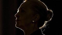 Megdöbbentő ötlet: Clinton politikai öngyilkosságra készül