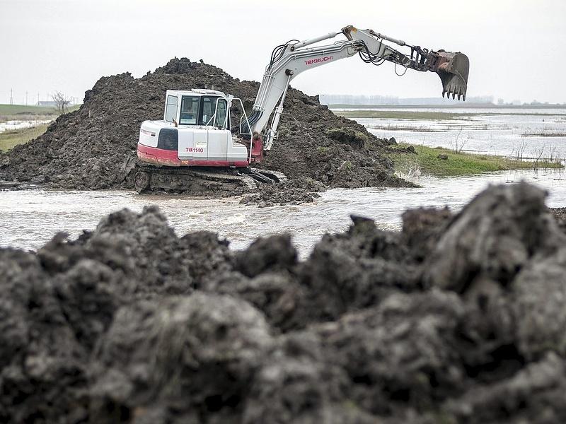 Újabb árvízvédelmi munkát nyert a Mészáros és Mészáros