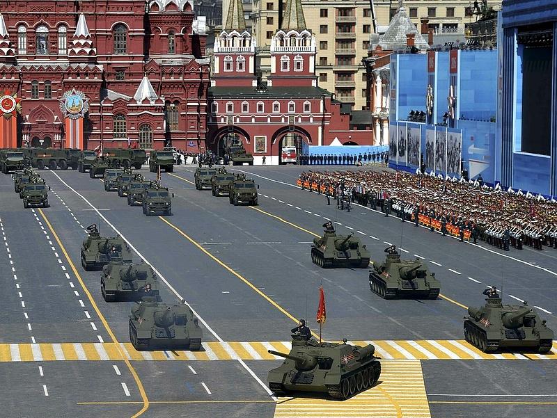 Lövészpáncélosok százait vásárolja Moszkva