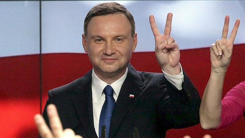 Kitört a belháború Lengyelországban