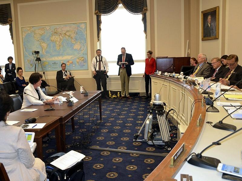 Kongresszusi meghallgatás: nyíltan kell tisztázni az amerikai-magyar vitát