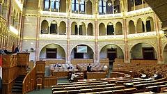 Leszavazta a Fidesz december 24-e munkaszüneti nappá nyilvánítását