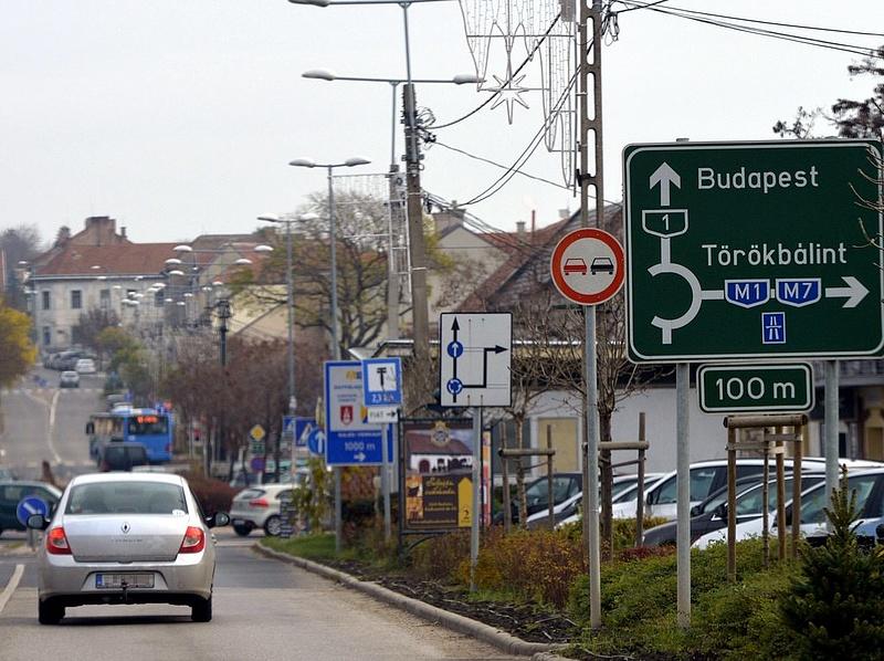 """Változnak a \""""közlekedési szabályok\"""" - meglepő döntésre készül a parlament"""