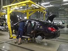 Ismét leállt a kecskeméti Mercedes, oltják a dolgozókat