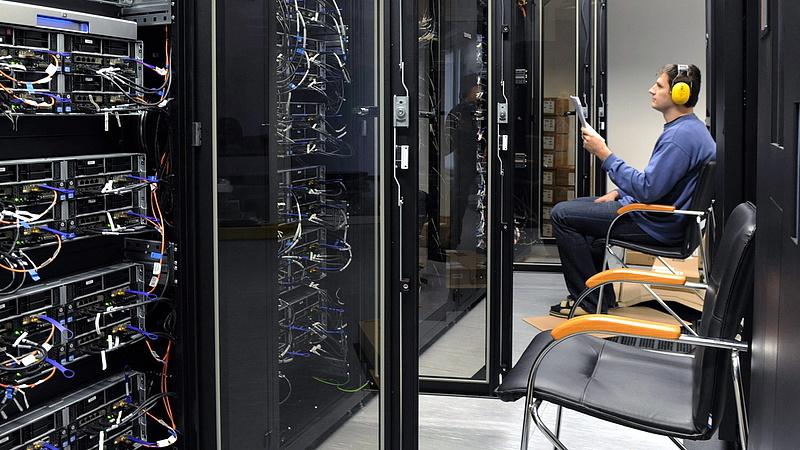 Szuperszámítógép beszerzésére nyert közbeszerzést a 4iG konzorciuma