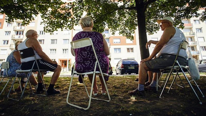 Kósa üzent a nyugdíjasoknak