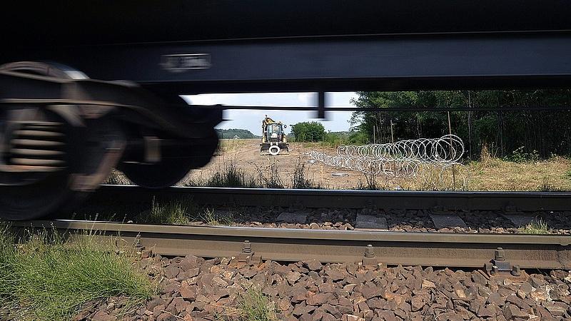 Elhárították a veszélyhelyzetet, újraindult a vasúti forgalom Soroksárnál