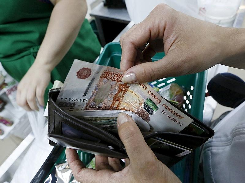 Jelentősen visszaesik az orosz kiskereskedelem