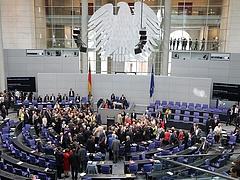 Riogat a német kormány! - Megjött a kritika