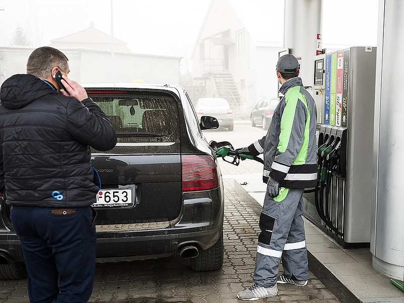 Újra drágult a benzin