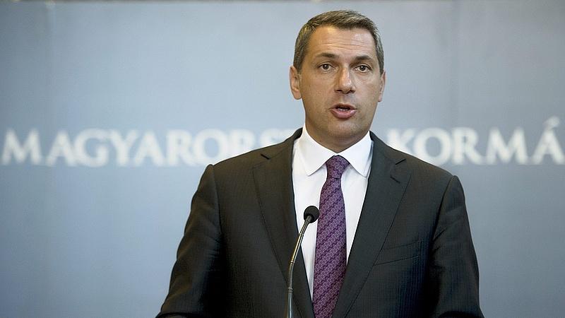 Lázár: 10 millió forintos támogatást ad az állam három gyermek vállalásakor