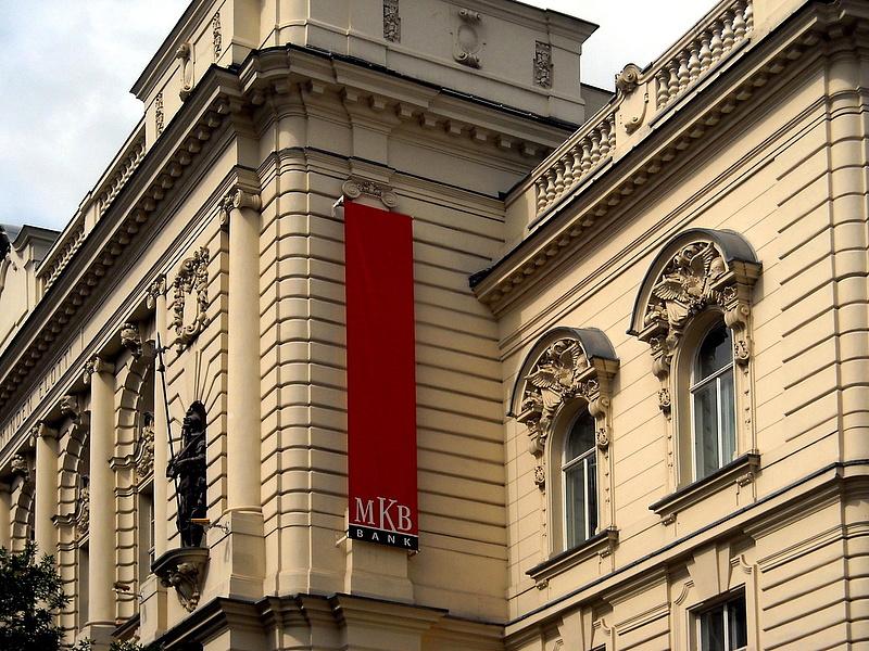 Nőtt a profit, de fájdalmas lépésekre is kényszerült a magyar nagybank