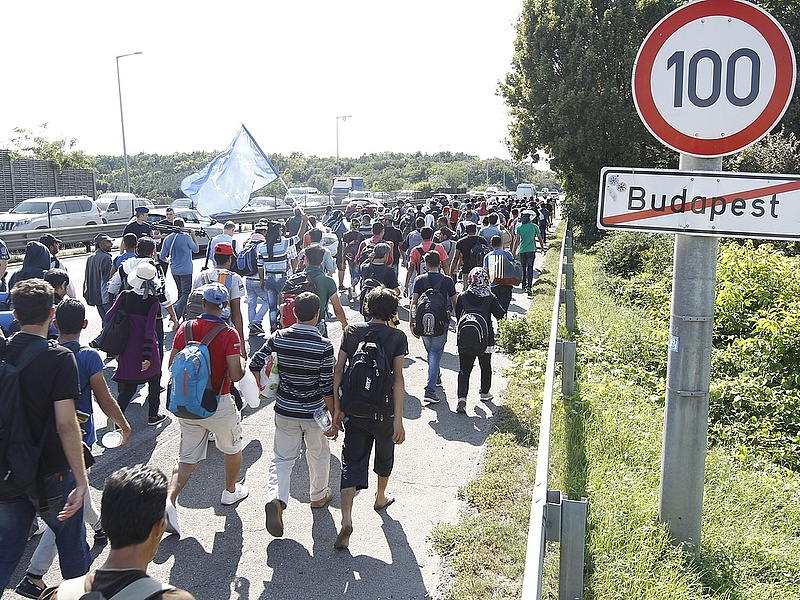 Ez még csak a kezdet? - Újabb migránshullámra figyelmeztetnek
