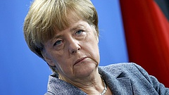 Sötét vízió Európáról - Merkelnek mennie kellett volna