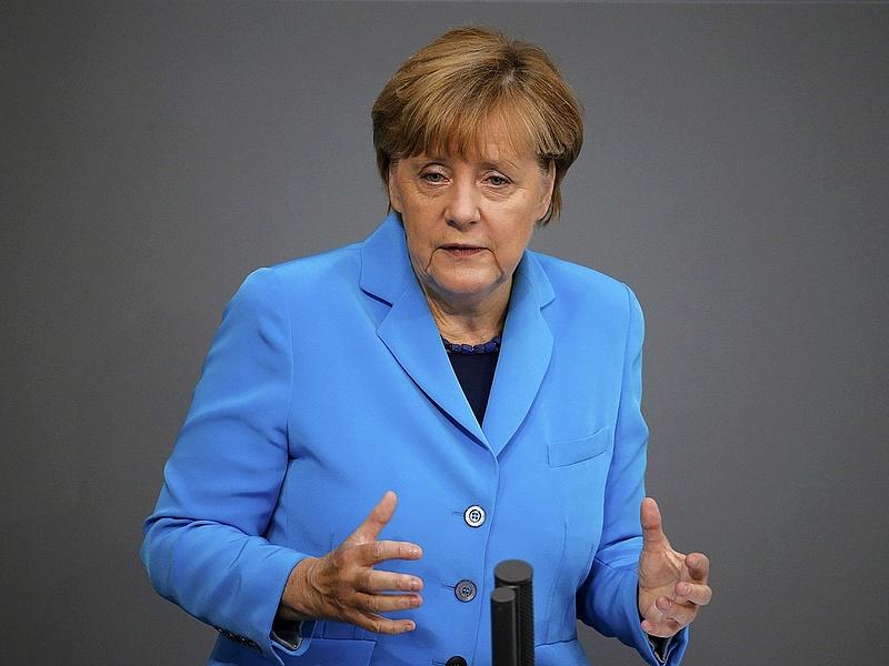 Menekültválság: Merkel nagyobb szigort is akar