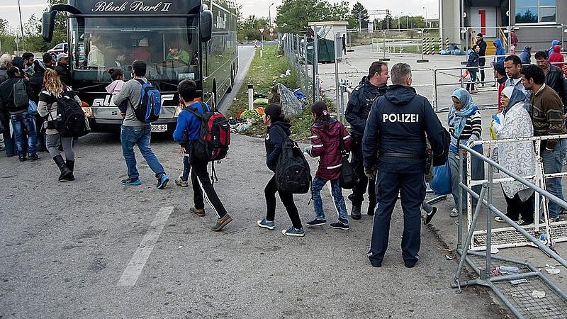 Hétfőtől ellenőriznek az osztrák határon