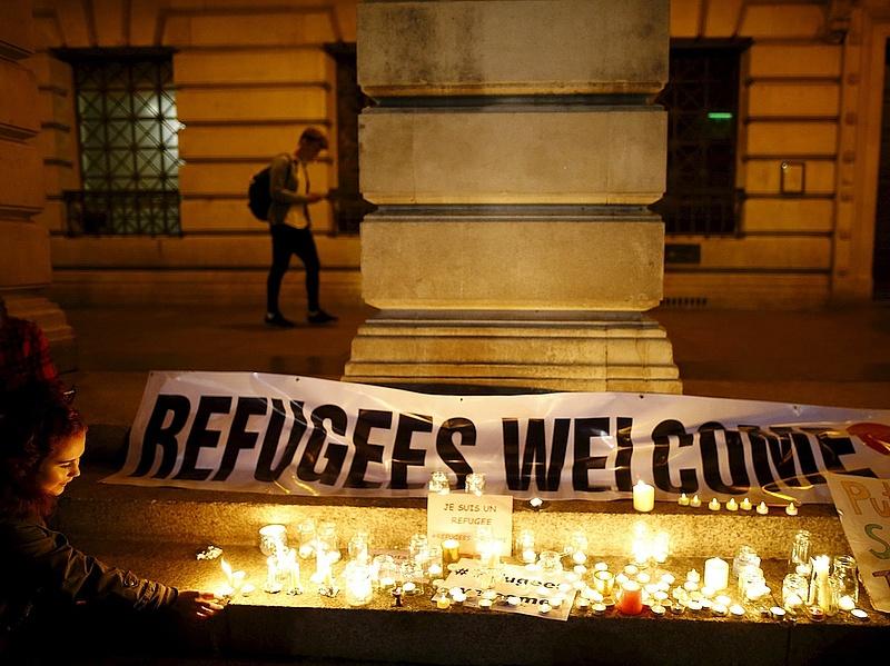 Francia bíróság: nem lehet büntetni, ha valaki segíti a menekülteket