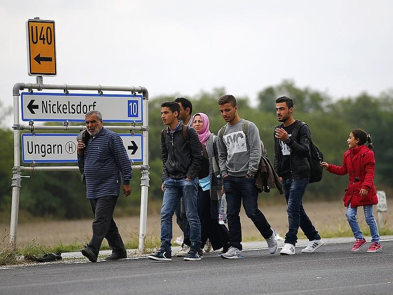 A szlovákok és az osztrákok beintettek az orbáni poltikának