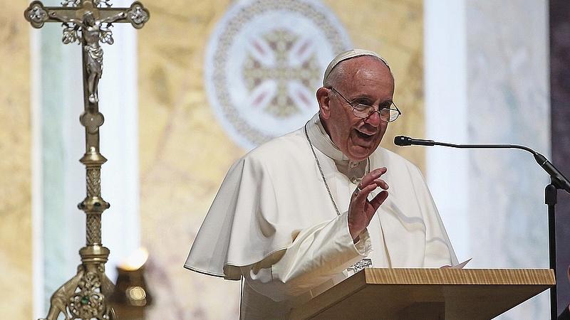 Ferenc pápa: a vatikáni hivatal 20 akcióponttal válaszol a migrációs igényekre