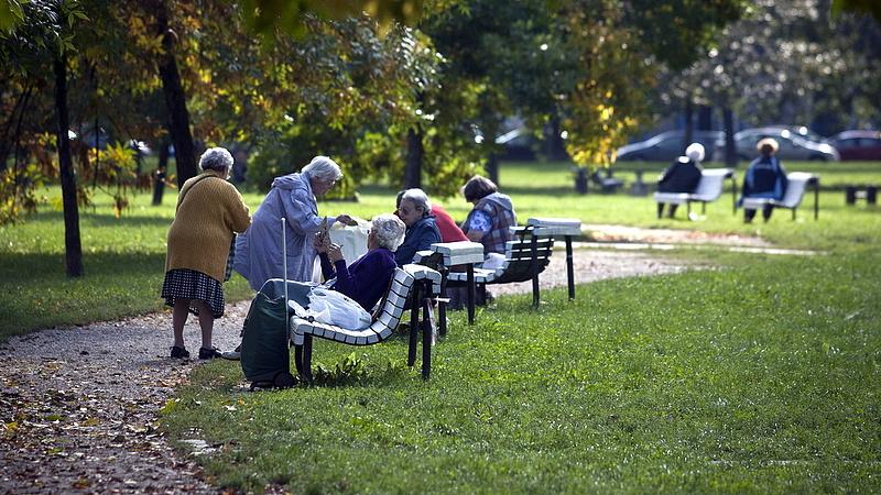 Jó hírt kaptak a nyugdíj előtt álló nők